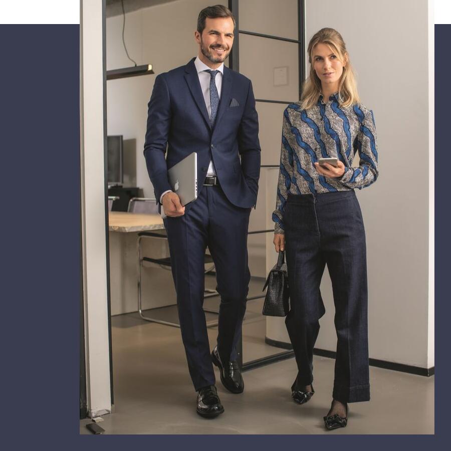 stijlvolle werkoutfits voor dames en heren in blauwtinten