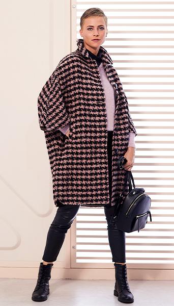manteau à carreaux avec manches de cape