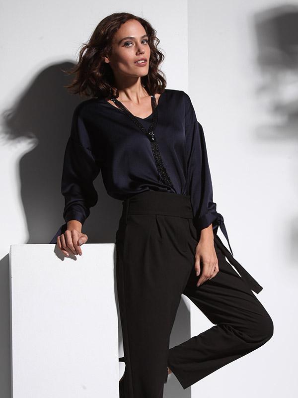Zwarte taillebroek met riem