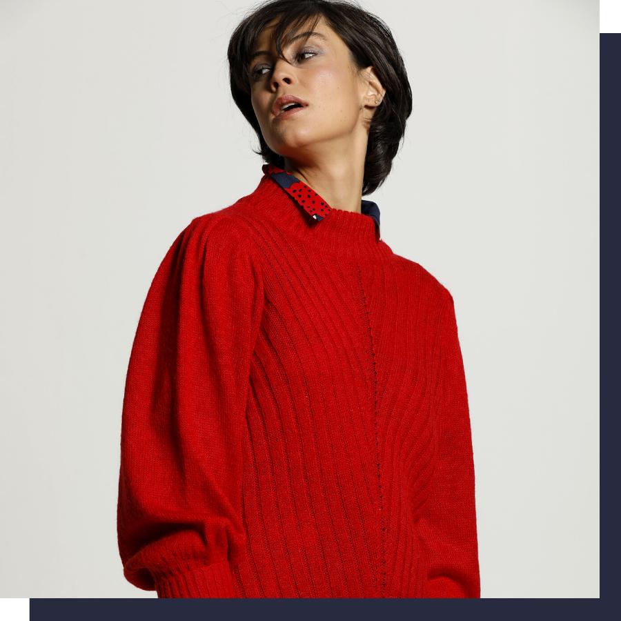 Pull tricoté à rayures colorées