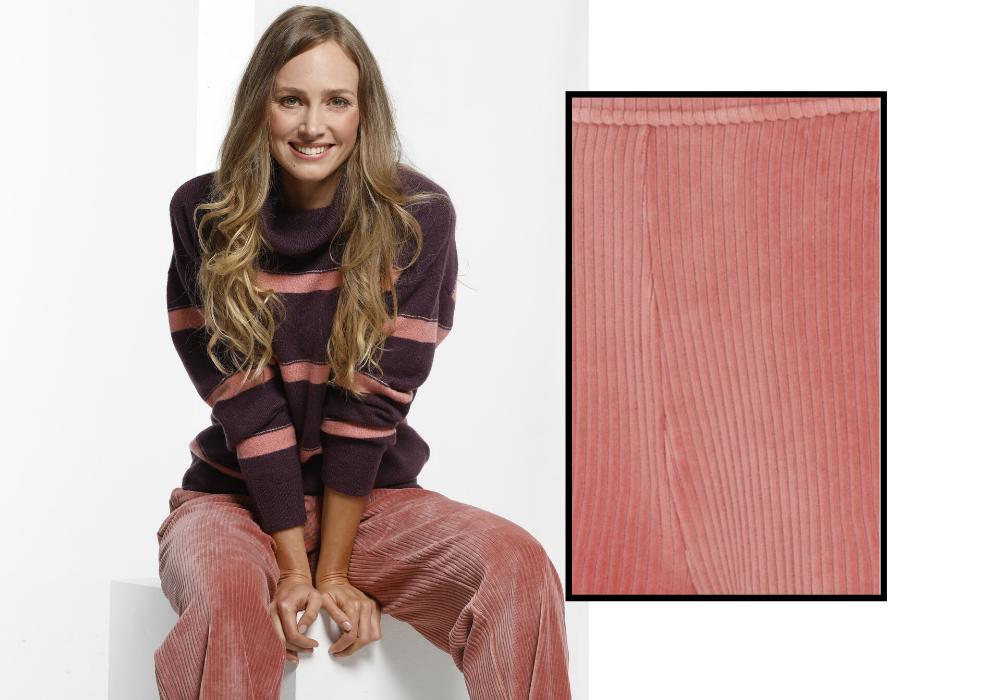 Pantalon rose en velours côtelé